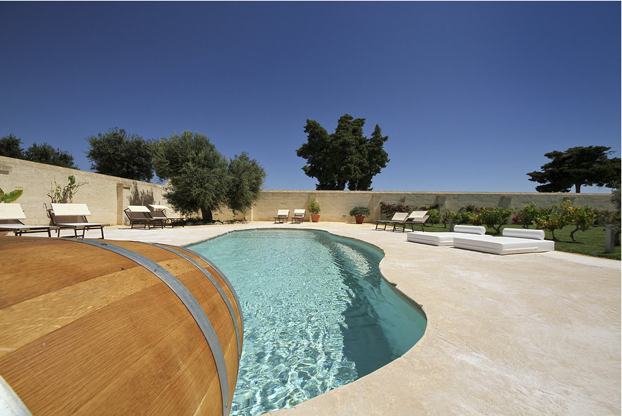 Masseria con spa in valle d 39 itria centri benessere puglia - Masseria in puglia con piscina ...